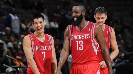 Los Rockets corren, anotan y ganan. Y se ríen, al parecer.
